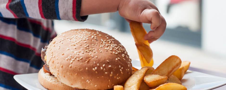 A relação da compulsão alimentar com transtornos psicológicos