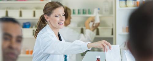 Farmácia Magistral: campo de atuação cresce no Brasil